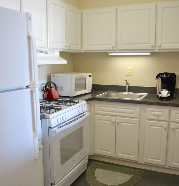 Kitchen with gas stove dc